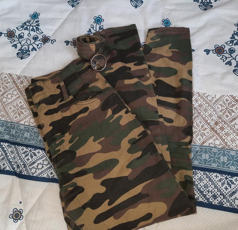 Pantalon slim 40 BERSHKA