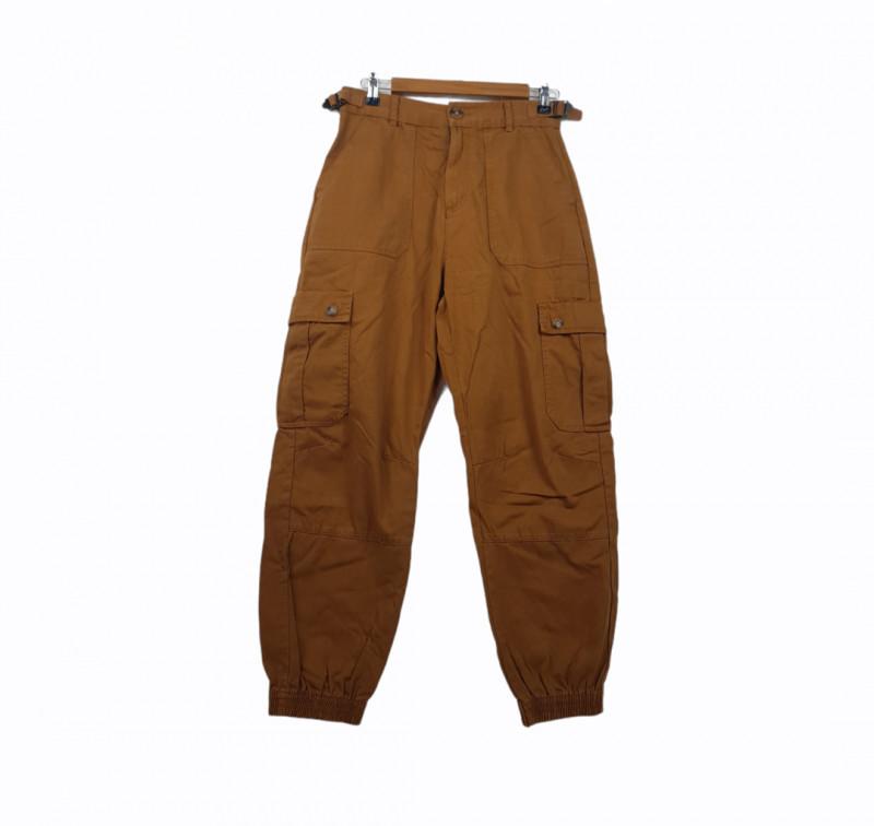 Pantalon 38 PULL AND BEAR