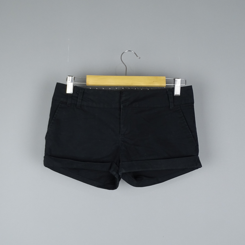 Short court 36 PULL AND BEAR