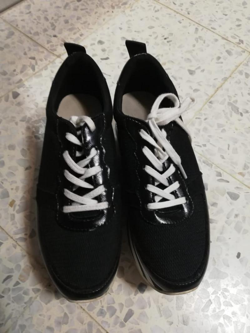 Sneakers 37 BERSHKA